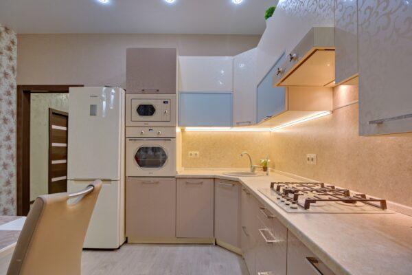Угловая кухня на заказ в Калининграде